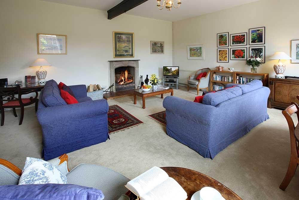 Wadhurst-Castle-Cottage-Interior2